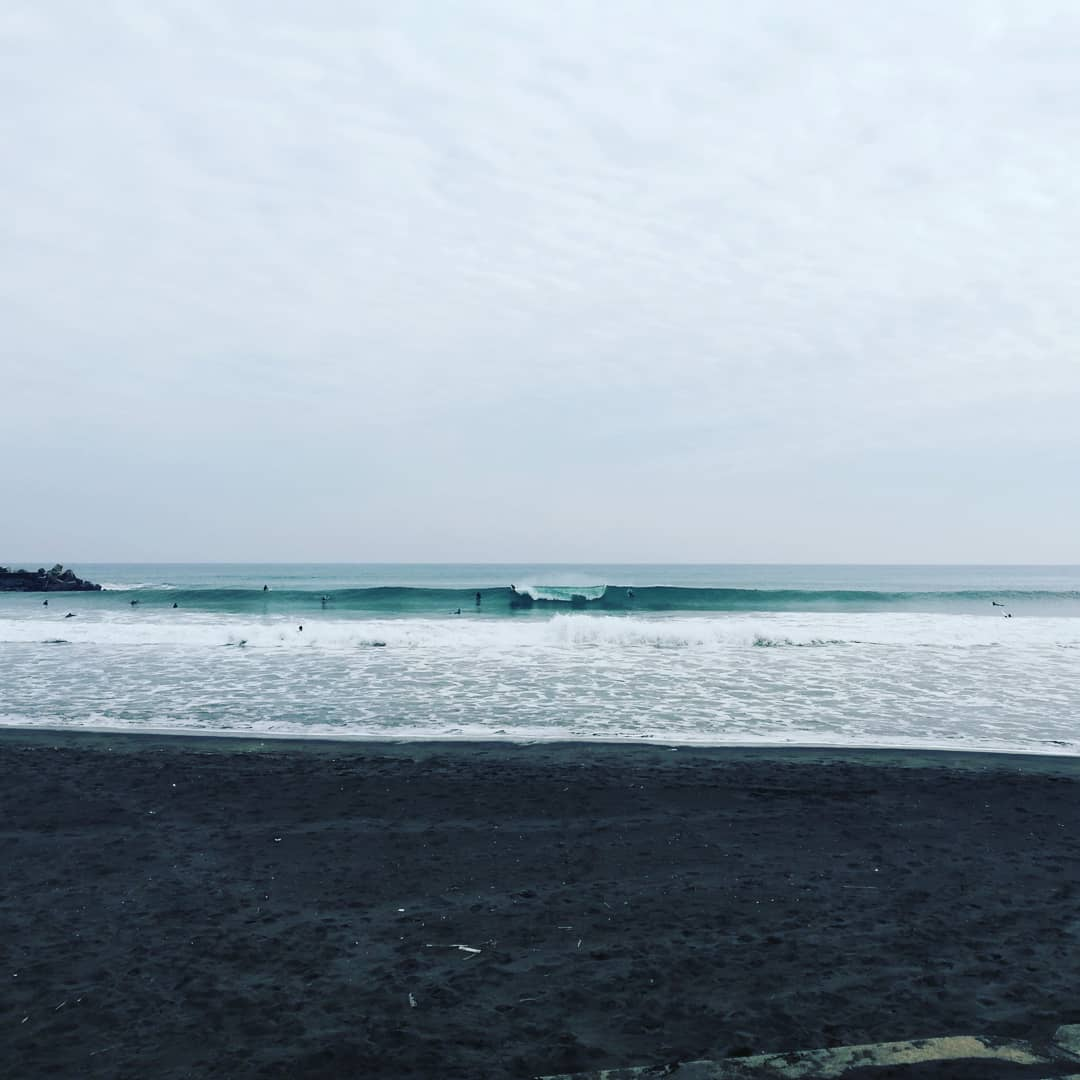 一宮でサーフィン